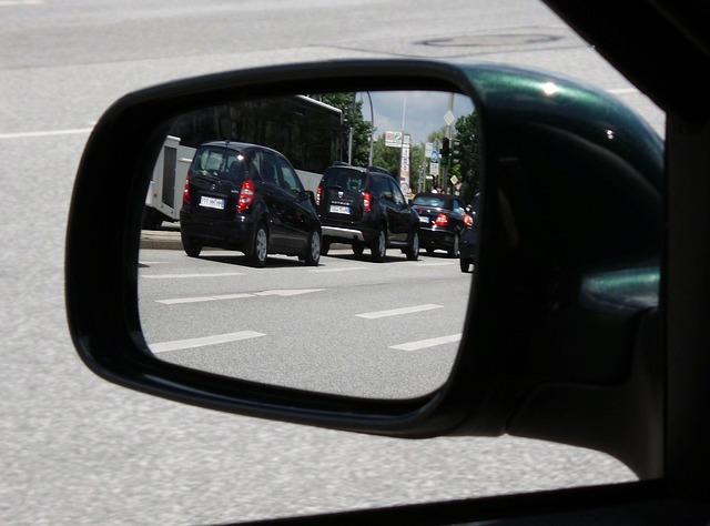 αντικατάσταση σπασμένου καθρέφτη και παρμπρίζ σε όλα τα αυτοκίνητα